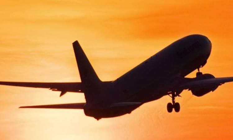 aeroplane accident in kerala, aeroplane slide from runway, aeroplane accident in trivandrum international airport, trivandrum international airport, kerala plane accident