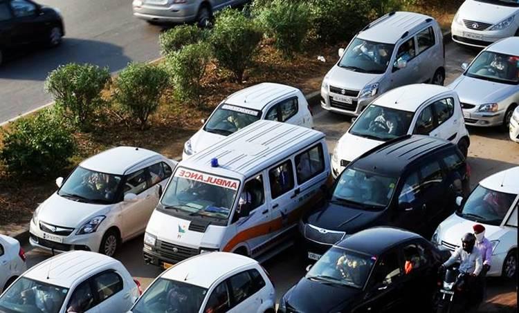 Ambulance, ആംബുലൻസ്, Traffic Block, ഗതാഗത കുരുക്ക്, സ്റ്റാർട്ടപ്പ്, Startup, രാജഗിരി എഞ്ചിനീയറിംഗ് കോളേജ്, RSET
