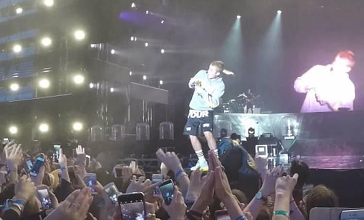 Justin Bieber, pop singer