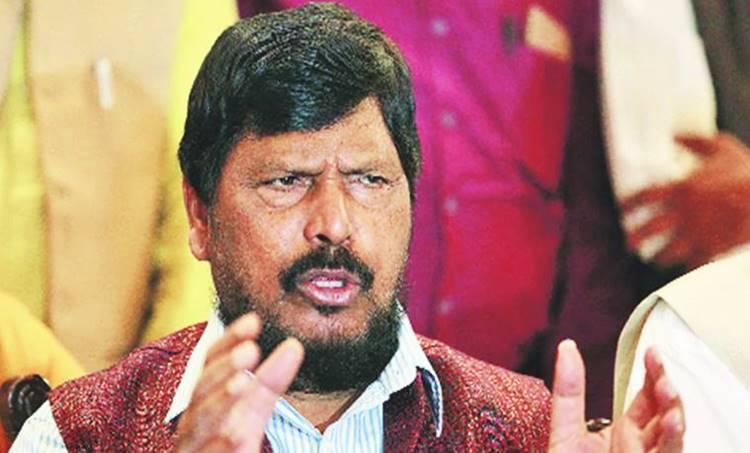 Union minister Ramdas Athawale, Ramdas Athawale heckled, Ramdas Athawale in Maharashtra, Ramdas Athawale, indian express