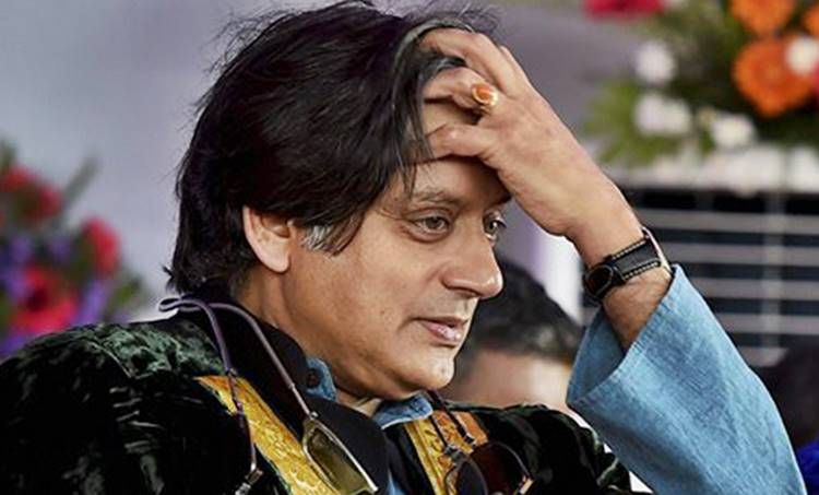 BJP,ബിജെപി, Shashi Tharoor,ശശി തരൂർ, Sreedharan Pillai,ശ്രീധരന്പിള്ള, Tharoor relatives join BJP, തരൂരിന്റെ ബന്ധുക്കള് ബിജെപിയില്congress, ie malayalam,
