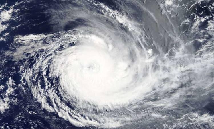 cyclone,ചുഴലിക്കാറ്റ്, cyclone vayu,വായു ചുഴലിക്കാറ്റ്, gujrat cyclone, vayu gujrat, ie malayalam,