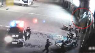 viral video, police officer saves woman with bare hands, woman saved by police officer, viral video of police officer saving woman, indian express, indiam express news