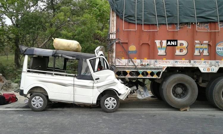 Car accident, Uttar Pradesh, Highway accident, Lakhimpur Kheri, Yogi Adityanath, Accident, Death, Road accident