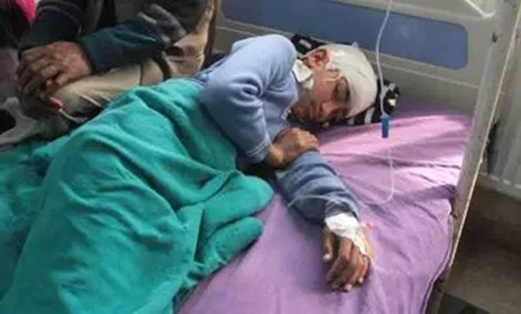 Shopian bus attack, Shopian, Jammu and kashmir, Kashmir school bus attack, Mehbooba Mufti, Stone pelting, J-k news, india news, indian express