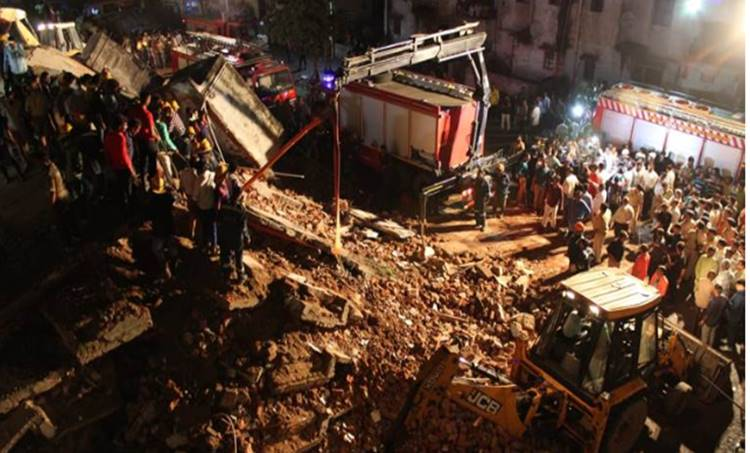 residential building collapsed in gujrat