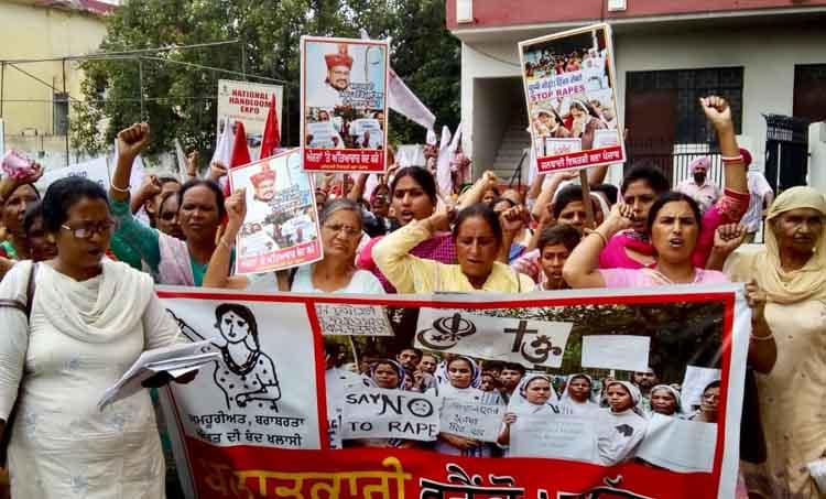 RMPI women protest against franco mulakkal in jalandar