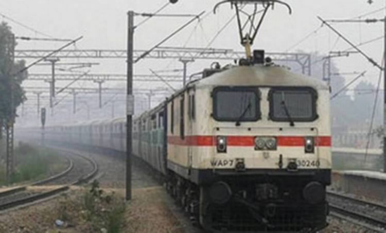 Train, ട്രെയിൻ, Special Train, സ്പെഷ്യൽ ട്രെയിൻ, Bangalore Train, ബെംഗളൂരു ട്രെയിൽ, Bangalore Train, Thiruvanathapuram to Bangalore Train, Kallada, കല്ലട, Trivandrum Bangalore Train, Trains to Bangalore,