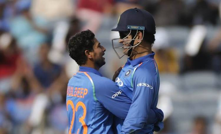 ms dhoni, mahendra singh dhoni, kuldeep yadav, indian cricket team, ms dhoni kuldeep yadav, kuldeep yadav indian cricket team, ms dhoni indian cricket team, cricket world cup 2019, 2019 cricket world cup, cricket news, sports news, Indian Express