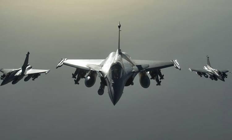 rafale fighter jet, റഫാൽ യുദ്ധവിമാനങ്ങൾ, rajnath singh, രാജ്നാഥ് സിങ്, Rafale deal, Rafale aircraft deal, Rafale aircraft price, supreme court rafale deal, Rafale controversy, rafale news, Anil Ambani, Dassault, Dassault rafale, india news, ie malayalam, റിലയൻസ്, റഫാൽ ഇടപാട്, റാഫേൽ ഇടപാട്, ഫ്രഞ്ച് കമ്പനി, ഐഇ മലയാളം