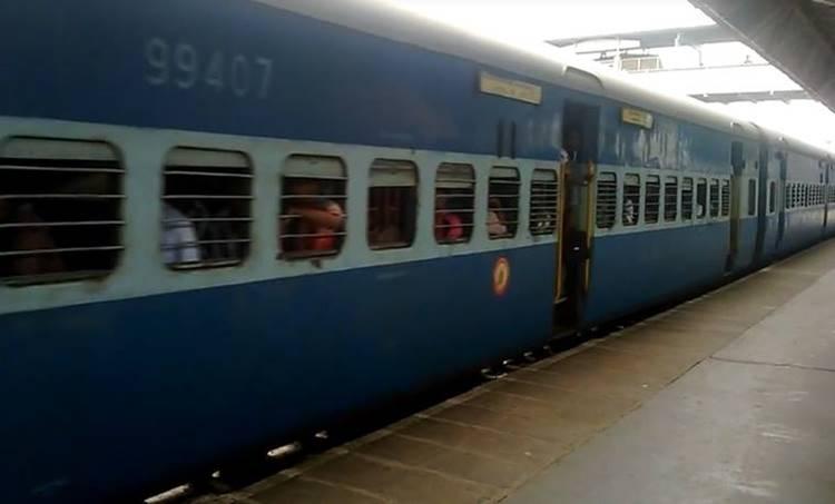 railway, റെയിൽവേ, ഇന്ത്യൻ റെയിൽവേ, railway fare hike, ട്രെയിൻ യാത്രാ നിരക്കുകൾ വർധിച്ചു, train fare hike, indian railway, IE Malayalam, ഐഇ മലയാളം, railway, railway fare hike, train fare hike, indian railway