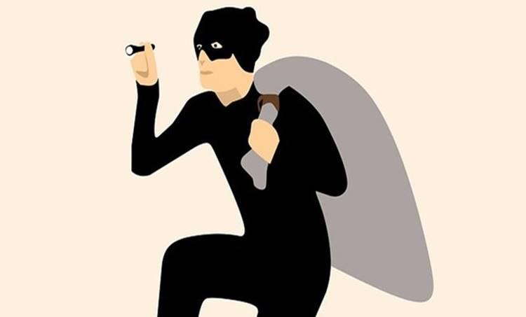 Thief, Burglar, kochi thief, kochi theft 200 theft case, thief escaped from police custody, kochi thief, ernakulam central police, എറണാകുളം സെൻട്രൽ പൊലീസ്, കൊച്ചി സിറ്റി പൊലീസ്, കേരളത്തിലെ കളളന്മാർ, കൊച്ചിയിലെ കളളന്മാർ, പൊലീസ് കസ്റ്റഡിയിൽ നിന്ന് രക്ഷപ്പെട്ട കളളൻ, Iemalayalam news, Malayalam News, Kerala News In malayalam,ഐഇ മലയാളം, Ie malayalam, IE Malayalam, prison,jail,police station,police,പൊലീസ് സ്റ്റേഷന്,പൊലീസ്