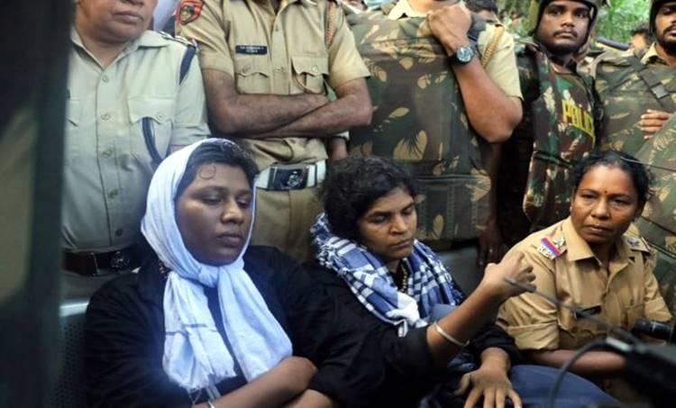 Sabarimala, women's rights,kanaka durga, bindu, protest, ബിന്ദു, കനക, പ്രതിഷേധം,പൊലീസ്, ശബരിമല, യുവതികള്, പൊലീസ്