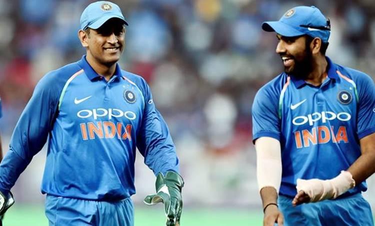 Rohit Sharma,ms dhoni, dhoni, dhoni gloves, dhoni balidan gloves, dhoni army gloves, world cup, world cup 2019, dhoni world cup, bcci dhoni, icc dhoni gloves, cricket news, indina express,ind vs SA, ms dhoni, army insignia dagger, ms dhoni gloves dagger, ms dhoni para military force dagger, ms dhoni army rank, viral news, cricket news, sports news,