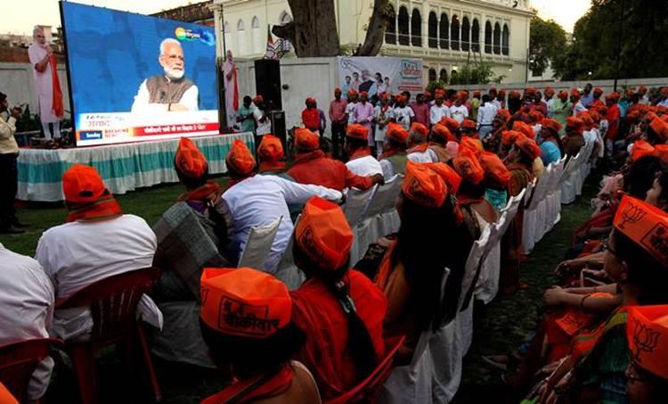 narendra modi, narendra modi clean chit, election commission, modi election commission, model code of conduct, model code of conduct violation, rahul gandhi, rahul gandhi wayanad, modi wayanad remark, indian express