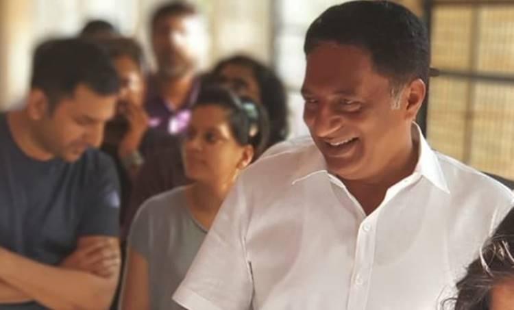 Prakash Raj, പ്രകാശ് രാജ്, Lok Sabha Election 2019, ലോക്സഭാ തിരഞ്ഞെടുപ്പ് 2019, Bangalore, ബാംഗ്ലൂര്, BJP, ബിജെപി, Lok Sabha Election 2019, തിരഞ്ഞെടുപ്പ് ഫലം, ie malayalam, ഐഇ മലയാളം