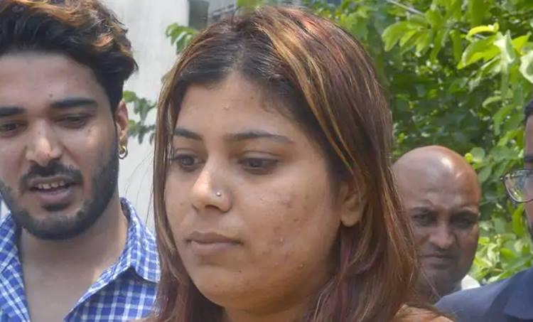 BJP activist , Morphed images, Mamata Banerjiee