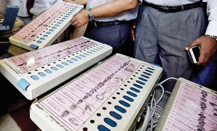 Lok Sabha Election 2019, ലോക്സഭാ തിരഞ്ഞെടുപ്പ് 2019 EVM, Electronic Voting Machine, ഇലക്ട്രോണിക് വോട്ടിങ് മെഷീന് Uttar Pradesh, ഉത്തര്പ്രദേശ്, BJP, ബിജെപി, ie malayalam ഐഇ മലയാളം