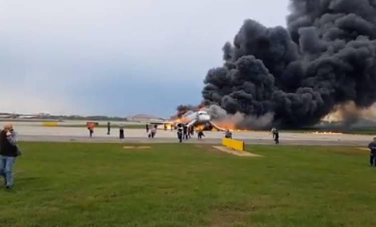 russsia,റഷ്യ, moscow,മോസ്കോ, flight fire,വിമാനത്തിന് തീപിടിച്ചു, russian aeroflot on fire, russian flight, ie malayalam,