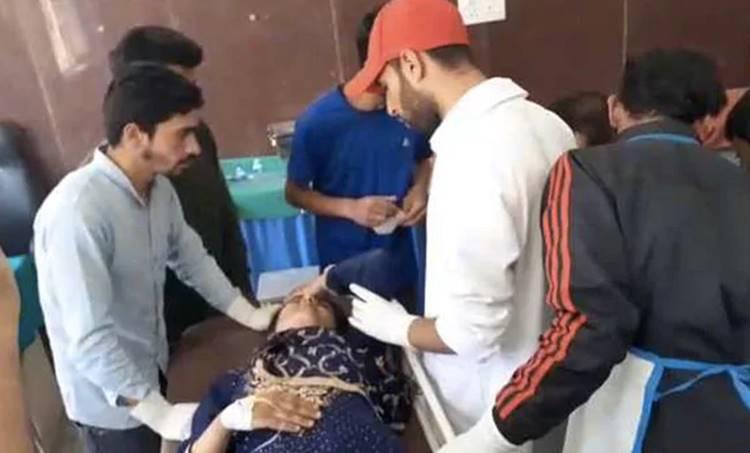 Bus Accident, ബസപകടം, Jammu and Kashmir, കശ്മീര്, students, വിദ്യാര്ത്ഥികള്, death, മരണം, hospital, ആശുപത്രി