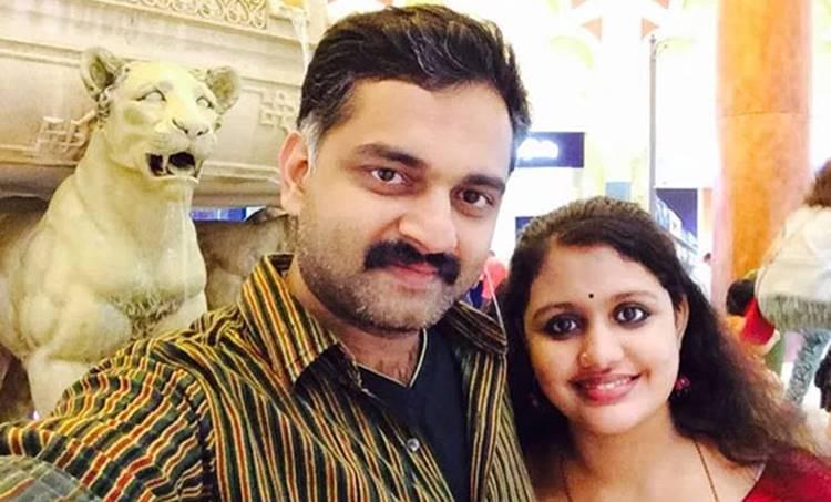 Bijibal, Shanthi bijibal, ബിജിബാൽ, ശാന്തി ബിജി ബാൽ, bijibal photo, bijibal wife, bijibal wife photo