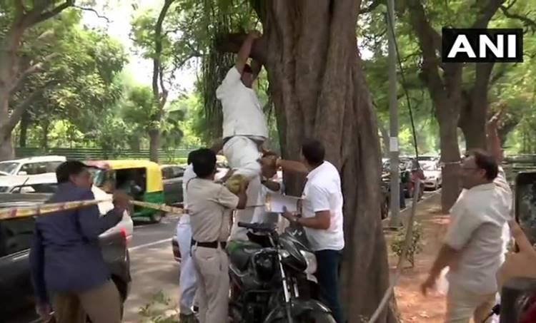 Rahul Gandhi, രാഹുല് ഗാന്ധി, Congress worker, കോണ്ഗ്രസ് പ്രവര്ത്തകന്, suicide attempt, ആത്മഹത്യാ ശ്രമം, aicc, എഐസിസി
