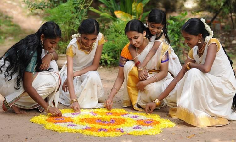 onam, Onam 2020, ഓണം, Onachollukal, Onam Chollukal, ഓണചൊല്ലുകൾ, ഓണം ചൊല്ലുകൾ, onam holiday, ഓണം അവധി, Onam Chantha, ഓണചന്ത, കുടുംബശ്രീ, കുടുംബശ്രീ ഓണചന്ത, Kudumbashree, onam govt holiday, ഓണം സർക്കാർ ഓഫിസുകൾ അവധി, onam school holiday, Kerala Rains, Flood, ഓണപ്പാട്ടുകൾ, Onapattukal, Onam songs, Chief Minister, Distress Relief Fund, ie malayalam, ഐഇ മലയാളം