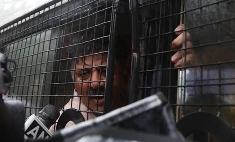 DK Shivakumar Arrested, ഡി.കെ.ശിവകുമാർ അറസ്റ്റിൽ, congress protest in karnataka, കർണാടകയിൽ കോൺഗ്രസ് പ്രതിഷേധം, Congress Leader DK Shivakumar Arrested, ഡി.കെ.ശിവകുമാർ അറസ്റ്റിൽ, Hawala , ഹവാല, IE Malayalam, ഐഇ മലയാളം