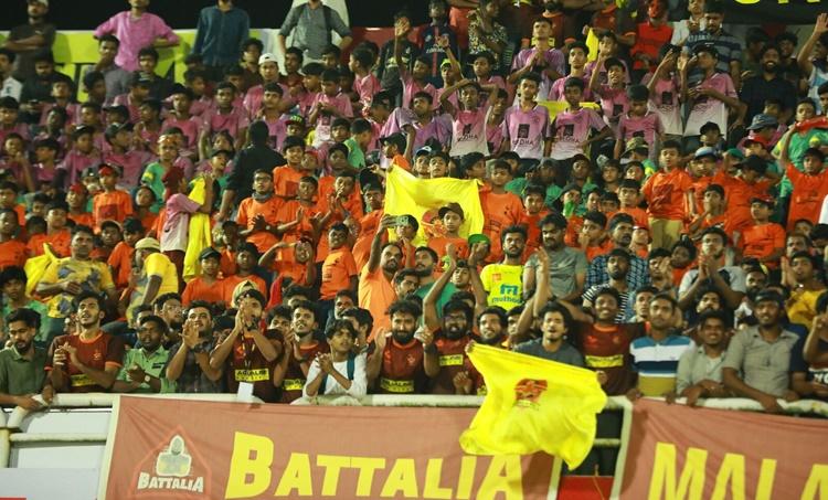 gokulam fans, malabarians, Gokulam Kerala, vs Neroca FC, I league, ഗോകുലം കേരള എഫ്സി, നെറോക്ക എഫ്സി, ie malayalam, gkfc, ഐഇ മലയാളം