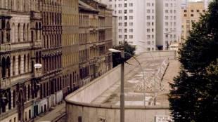 Berlin Wall, ie malayalam