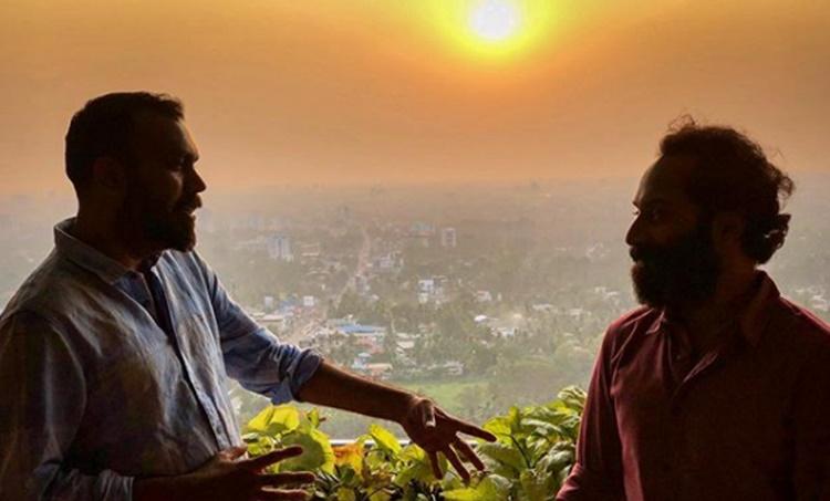 "Kumbalangi Nights, കുമ്പളങ്ങി നൈറ്റ്സ്, Fahadh Faasil, ഫഹദ് ഫാസിൽ, Shyam Pushkaran, ശ്യാം പുഷ്കരൻ, iemalayalmWatch Kumbalangi Nights deleted scene, kumbalangi nights trailer, kumbalangi nights, kumbalangi nights review, കുമ്പളങ്ങി നൈറ്റ്സ് ട്രെയിലര്, കുമ്പളങ്ങി നൈറ്റ്സ് trailer, കുമ്പളങ്ങി നൈറ്റ്സ് റിവ്യൂ, ഫഹദ് ഫാസില്, ഫഹദ് ഫാസില് സിനിമ, ഫഹദ് ഫാസില് movies, ഫഹദ് ഫാസില് films, കുമ്പളങ്ങി നൈറ്റ്സ്, പുതിയ ചിത്രം, സിനിമ, Entertainment, സിനിമാ വാര്ത്ത, ഫിലിം ന്യൂസ്, Film News, കേരള ന്യൂസ്, കേരള വാര്ത്ത, Kerala News, മലയാളം ന്യൂസ്, മലയാളം വാര്ത്ത, Malayalam News, Breaking News, പ്രധാന വാര്ത്തകള്, ഐ ഇ മലയാളം, iemalayalam, indian express malayalam, ഇന്ത്യന് എക്സ്പ്രസ്സ് മലയാളം"""