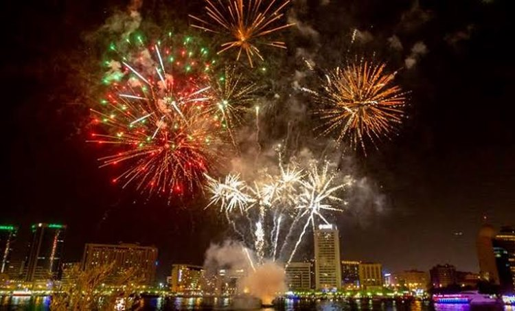 New year 2020,New year celebration, പുതുവത്സരാഘോഷം,New year celebration in Dubai, ദുബായ്പുതുവത്സരാഘോഷം,New year celebration in UAE, യുഎഇയിലെ പുതുവത്സരാഘോഷം, New year celebration at Burj Khalifa, ബുർജ് ഖലീഫയിൽ പുതുവത്സരാഘോഷം, Dubai,ദുബായ്, Burj Khalifa, ബുർജ് ഖലീഫ, Gulf news, ഗൾഫ് വാർത്തകൾ, IE Malayalam, ഐഇ മലയാളം