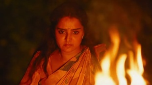 Prathi Poovan Kozhi,പ്രതി പൂവന് കോഴി, Manju Warrier,മഞ്ജു വാര്യര്, Mohanlal, Manju Warrier New Movie, Roshan Andrews, ie malayalam