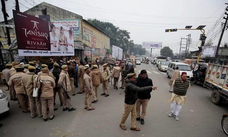 Meerut news, മീററ്റ് ന്യൂസ്, UP CAA protest, യുപി പ്രതിഷേധം, UP Meerut protests, UP police crackdown, UP police citizenship protest, UP protests death, indian express news, iemalayalam, ഐഇ മലയാളം