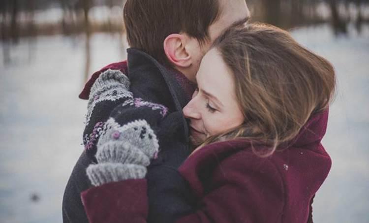 hugging, ie malayalam