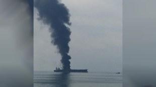 UAE, യുഎഇ, UAEOil tanker fire,യുഎഇയിൽ എണ്ണ ടാങ്കറിന് തീപിടിച്ചു,Oil tanker fire in Sharjah, ഷാർജയിൽ എണ്ണ ടാങ്കറിന് തീപിടിച്ചു,Four people killed in an oil tanker fire,എണ്ണ ടാങ്കറിന് തീപിടിച്ച് നാലുപേർ മരിച്ചു,Two Indianskilled in an oil tanker fire,ഷാർജയിൽ എണ്ണ ടാങ്കറിന് തീപിടിച്ച് മരിച്ചവരിൽ രണ്ട് ഇന്ത്യക്കാരും,India, ഇന്ത്യ, Gulf news, ഗൾഫ് വാർത്തകൾ, Malayalam news, മലയാളം വാർത്തകൾ, ie malayalam, ഐഇ മലയാളം
