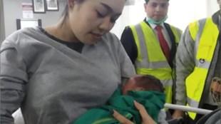Women Delivers baby in Flight