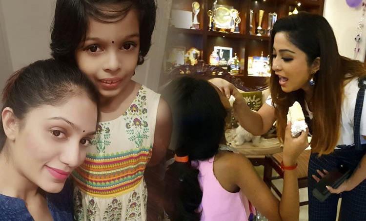 bigg boss malayalam 2, Arya, Arya daughter, Arya family