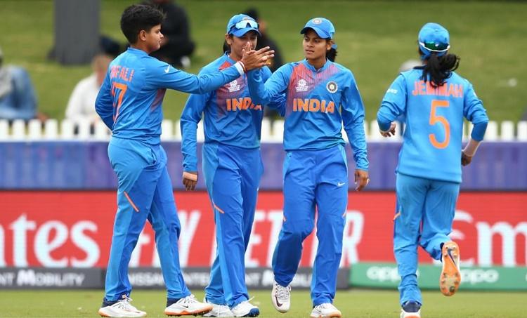 Shafali Verma, ഷഫാലി വർമ്മ, indian women cricketer, harmanpreet kaur, ഹർമൻപ്രീത്, ഇന്ത്യൻ വനിത ക്രിക്കറ്റ് താരം, Women T20 world cup, ടി20 ലോകകപ്പ്, shefali varma, ഷെഫാലി വർമ്മ, ie malayalam, ഐഇ മലയാളം