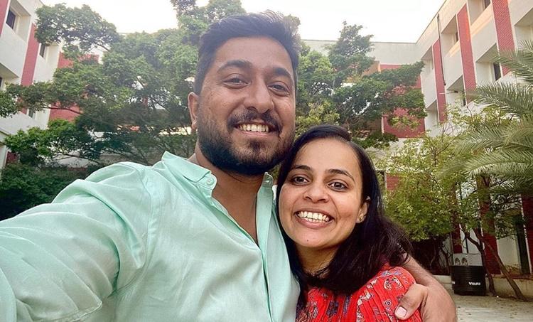Vineeth Sreenivasan wife Divya