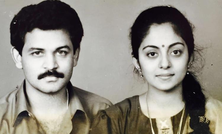 Krishna kumar and wife sindhu krishna Ahaana krishna