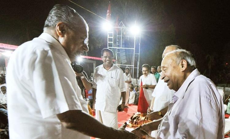 CM Pinarayi Vijayan, മുഖ്യമന്ത്രി പിണറായി വിജയൻ, എംപി വീരേന്ദ്രകുമാർ അന്തരിച്ചു, എംപി വീരേന്ദ്രകുമാർ, വീരേന്ദ്രകുമാർ, എം പി വീരേന്ദ്രകുമാർ അന്തരിച്ചു, എം പി വീരേന്ദ്രകുമാർ, MP Veerendrakumar, MP Veerendrakumar Passed Away,വീരേന്ദ്രകുമാർ സംസ്കാരം, സംസ്കാരം കൽപറ്റയിൽ, ie malayalam, ഐഇ മലയാളം