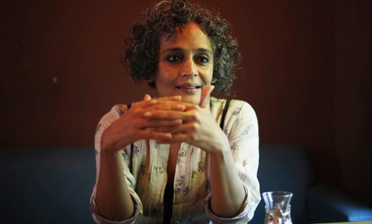 Arundhati Roy,Coronavirus,Covid 19,India,Narendra Modi,അരുന്ധതി റോയ്,ഇന്ത്യ,കൊറോണവൈറസ്,കൊവിഡ് 19,കൊവിഡ് ഇന്ത്യ,നരേന്ദ്ര മോദി, iemalayalam, ഐഇ മലയാളം