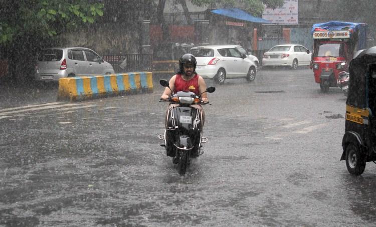 Kerala weather, കാലാവസ്ഥ, Kerala weather report, 2020 june 25, weather today, rain today, കേരളത്തിലെ കാലാവസ്ഥ, weather thiruvananthapuram, കാലാവസ്ഥ തിരുവനന്തപുരം, weather kochi, കാലാവസ്ഥ കൊച്ചി, weather palakkad, കാലാവസ്ഥ പാലക്കാട്, weather kozhikode, കാലാവസ്ഥ കോഴിക്കോട്, weather thrissur, കാലാവസ്ഥ തൃശൂർ, ie malayalam, ഐഇ മലയാളം, tomorrow weather