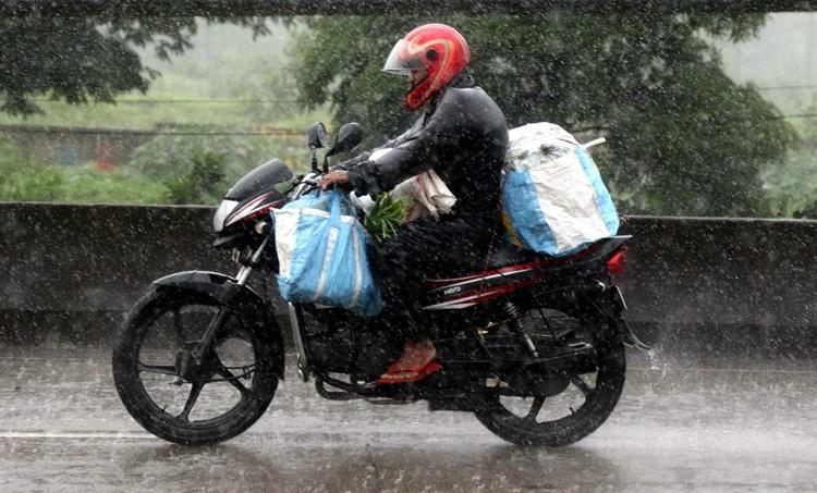 Kerala weather, കാലാവസ്ഥ, Kerala weather report, 2020 july 07, weather today, rain today, കേരളത്തിലെ കാലാവസ്ഥ, weather thiruvananthapuram, കാലാവസ്ഥ തിരുവനന്തപുരം, weather kochi, കാലാവസ്ഥ കൊച്ചി, weather palakkad, കാലാവസ്ഥ പാലക്കാട്, weather kozhikode, കാലാവസ്ഥ കോഴിക്കോട്, weather thrissur, കാലാവസ്ഥ തൃശൂർ, ie malayalam, ഐഇ മലയാളം, tomorrow weather