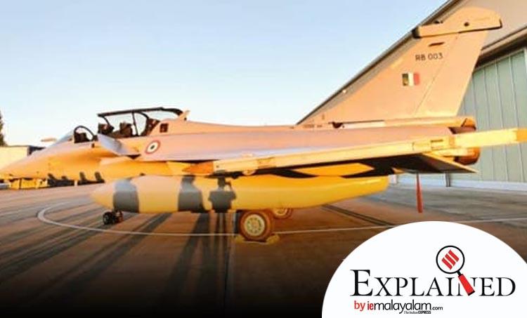 rafale jets, റഫാല് ജെറ്റുകള്, rafale aircraft, റഫാല് വിമാനങ്ങള്, india rafale jets, ഇന്ത്യ റഫാല് ജെറ്റുകള്, rafale jets power, rafale aircraft features, റഫാല് യുദ്ധ വിമാനത്തിന്റെ പ്രത്യേകതകള്, rafale news, merignac airbase, dassault, golden arrows' squadron, ഗോള്ഡണ് ആരോസ് സ്ക്വാഡ്രണ്,rajnath singh, rafale jet deal, indian express, express explained