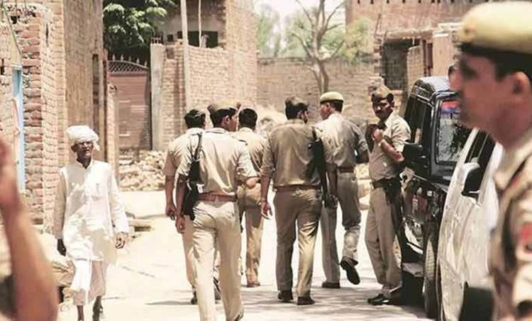 UP police killed in encounter, UP police killed in kanpur firing, UP police killed while trying to arrest criminal, kanpur firing, kanpur news