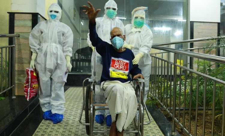 covid-19,കോവിഡ്-19, coronavirus, 103 year old Ernakulam patient, കൊറോണവൈറസ്, kollam, കൊല്ലം, ie malayalam, ഐഇ മലയാളം