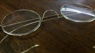 mahatma gandhi glasses, gandhi spectacles, gandhi glasses auction, gandhi spectacles auction, gandhi round glasses