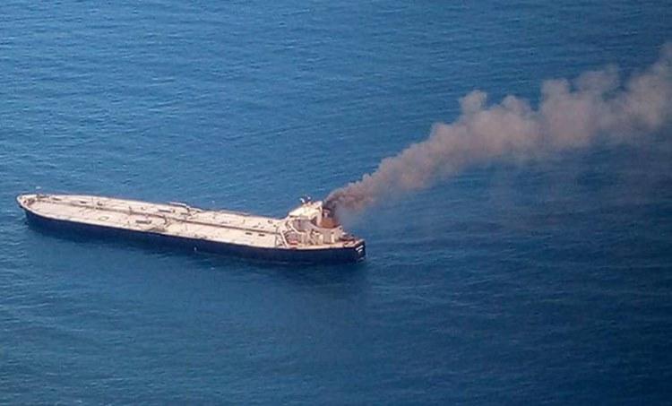 indian oil corporation,fire,indian ocean,arabian sea,oil,crude oil,ship,ഇന്ത്യൻ ഓയിൽ കോർപറേഷൻ,ക്രൂഡോയിൽ,അഗ്നിബാധ